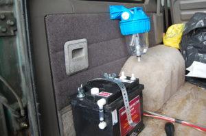 Водния филтър/разширителен съд служи и за поемане на електролит