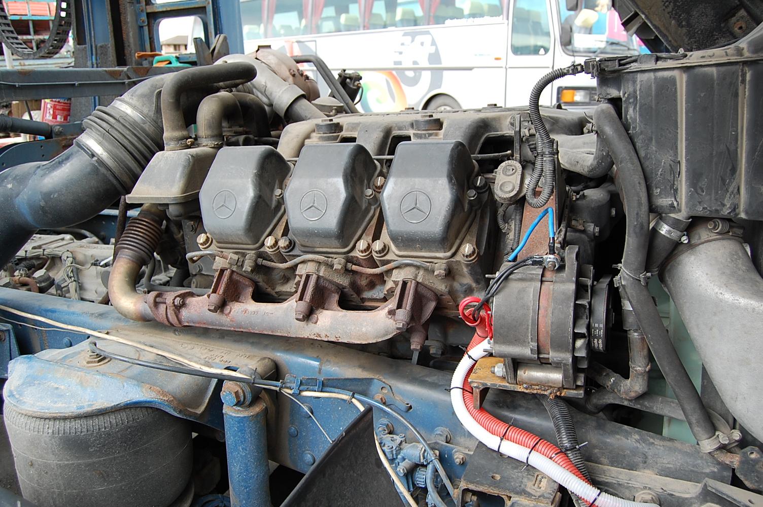 Изглед към двигателя